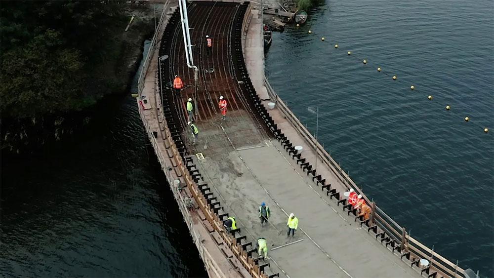 Werkzaamheden Weerwaterbrug - beton storten