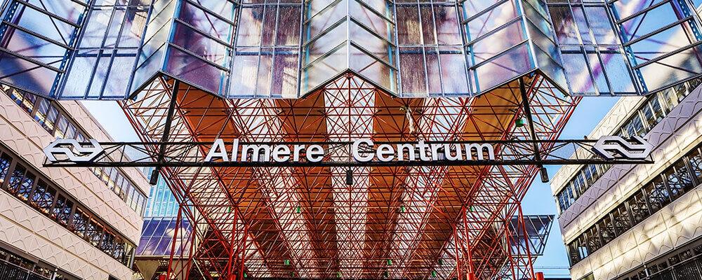 Ingang station Almere Centrum
